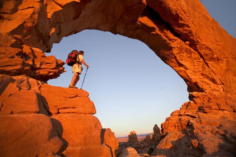 Rock-Arch-Hiker