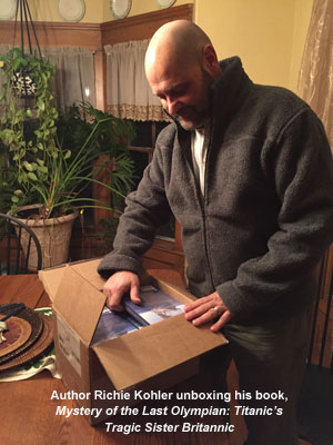 Richie Kohler unboxing Mystery of the Last Olympian 2w