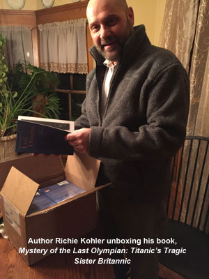 Richie Kohler unboxing Mystery of the Last Olympian 3w